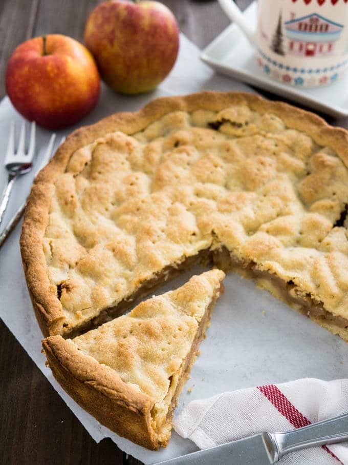 German Yeast Apple Cake Recipe