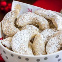Vanillekipferl (German Vanilla Crescent Cookies)