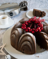 Mulled Wine Cake with Cherries is a great cake for the holidays! It's a fluffy, moist cake which is perfect to enjoy with a cup of coffee or hot chocolate on a cold winter day.