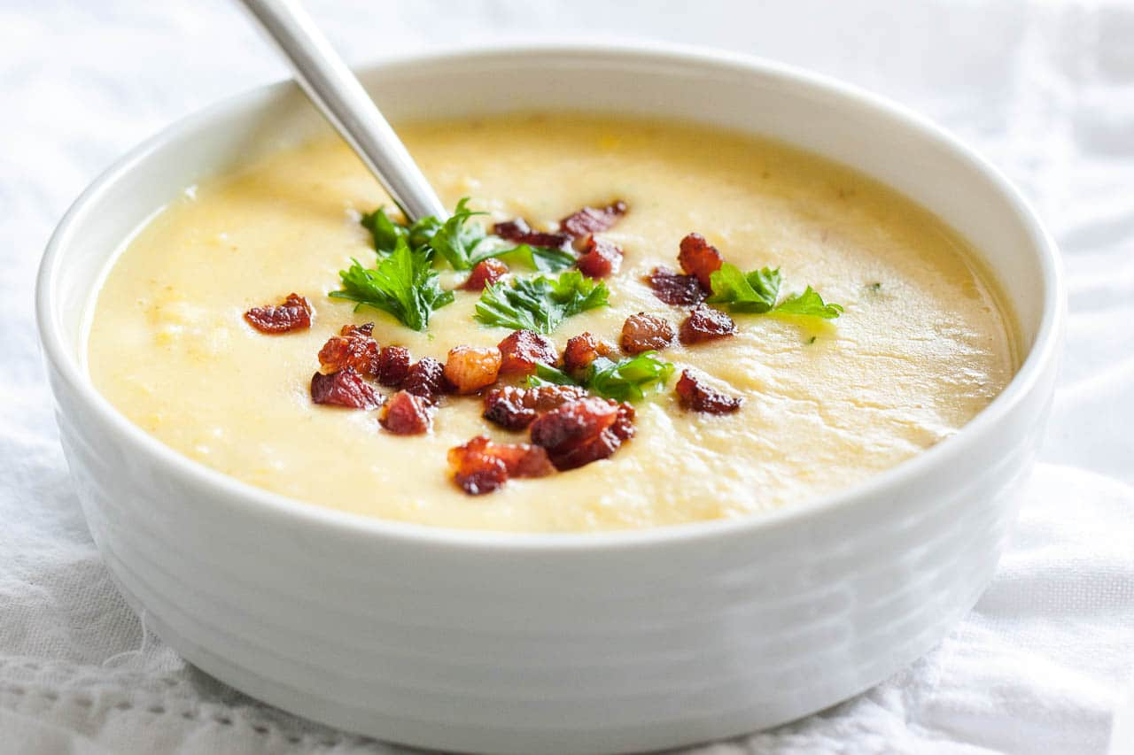 This 30-min potato bacon soup recipe is perfect for cold fall days and super easy to make!