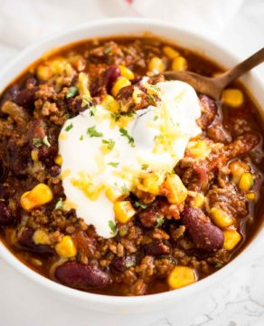 A delicious Instant Pot Chili that is so easy to make! This pressure cooker chili warms up any occasion, from Game Day parties to family meals.