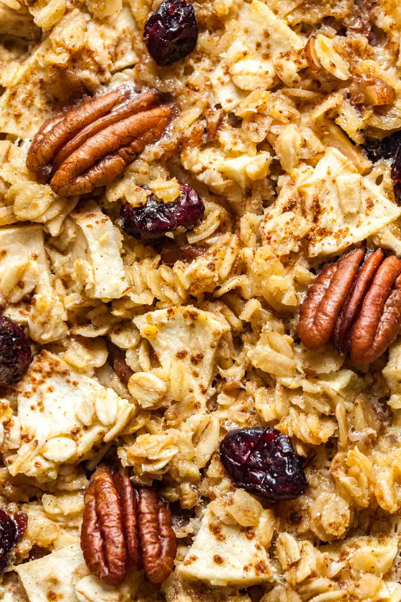 Baked Apple Cinnamon Oatmeal makes a delicious holiday breakfast that can be made ahead and reheated!