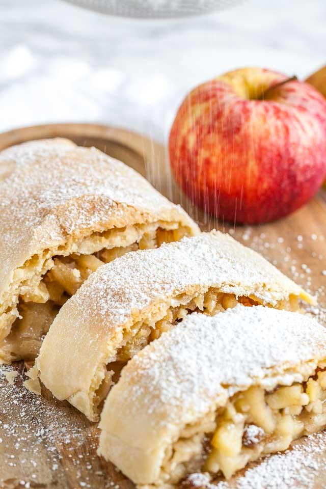 Apple Strudel Recipe Homemade German Apfelstrudel