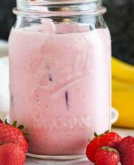 Strawberry Banana Smoothie with Yogurt
