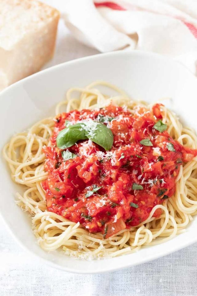 A quick and easy homemade Marinara Sauce